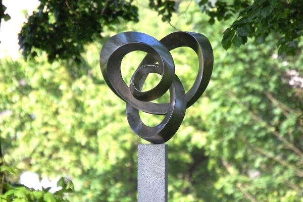 Remo Leghissa, Skulpturen aus Edelstahl und Messing - Fiore della vita
