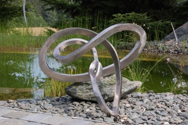 Remo Leghissa, Edelstahl und Messing Skulpturen für den Aussenbereich - Seelenpforte