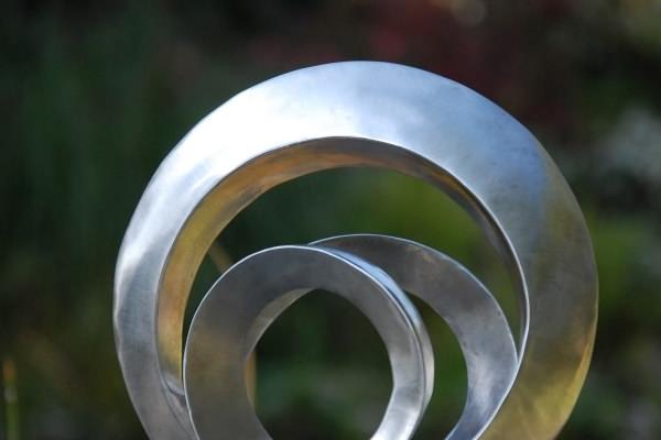 Remo Leghissa, Skulpture für den Wohnbereich - Kriegerin