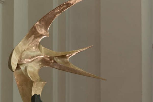 Remo Leghissa, Skulpturen aus Edelstahl und Messing - Erodestruktor an Metadiabas