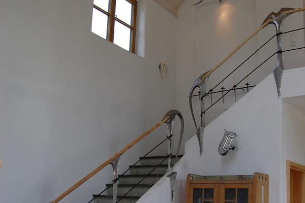Remo Leghissa - Treppenaufgang Seitenansicht